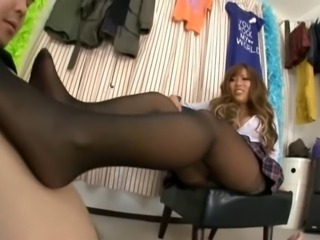 Japanese pantyhose tease and footjobs - AGEMIX113