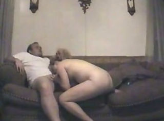 Nicole awaits a big dick to fuck her on the sofa _: amateur blonde home made