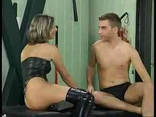 Kinky mature bitch getting fisted and fucked