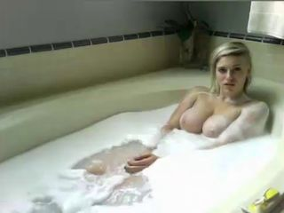 Adorable bath show