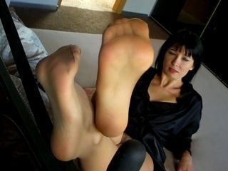 Agas Feet in Pantyhose