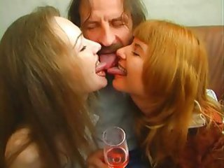 Amateur Daddy Daughter Family  Mom Old and Young Teen Threesome