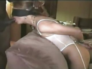 Blindfolded Republican White Wife Gets Doggystyle Fr...
