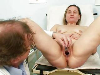 Experienced Jaroslava Gyno Speculum Cum-hole Cthis Guyckup At Gyno Clinic
