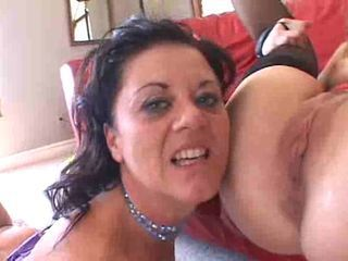 Mature Wife Pays for a Nasty ...