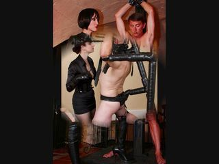 MISTRESS punish slave...