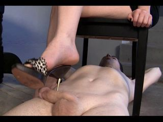 Blond Mistress sexy footjob -...