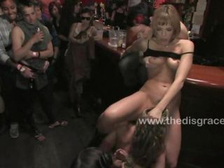 Ariel X submits to girl on gi...