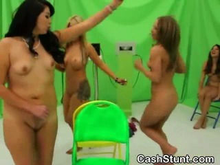 Amateur Girls Play Distraction To Se...