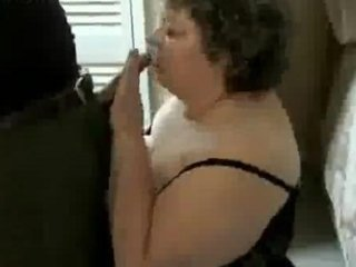 Fat amateur woman banging a cock