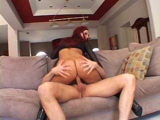 Redhead with hot butt knows to clean a boot