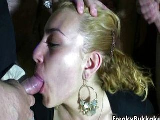 Blonde whore from Spain gets to suck