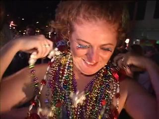 Older women gets butt naked readily obtainable Mardi Gras