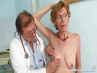 Aged lady Mila visiting gyno doctor for pussy speculum examination on gynochair