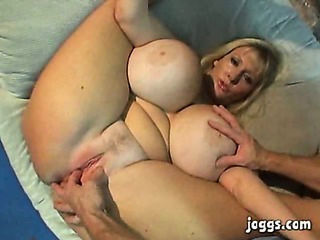 Mammoth Special Mature Kayla Kleevage