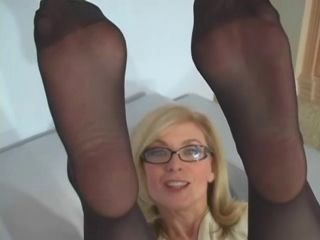 Nina Hartley  pantyhose sport 2 D10