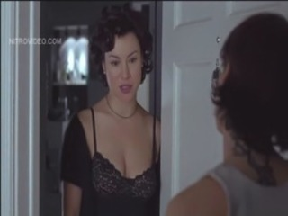 Gina Gershon and Jennifer Tilly - Bound free