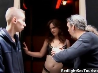 Two tourists find a sexy redlight babe