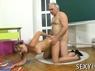 Sex lesson with horny bus