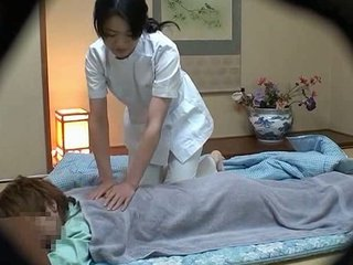 Hotel Masseuse Used By Hotel Gue...