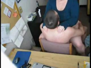 "redhead fucking in office"" class=""th-mov"