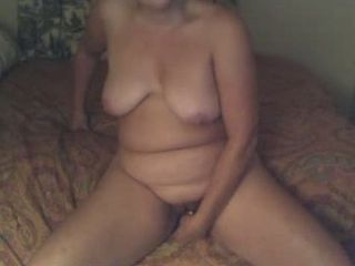 Chubby Masturbating Mom  Webcam