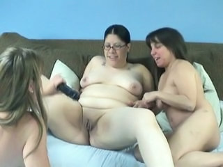 fat girl with two women