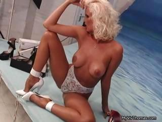 Super sexy blonde babe getting part1