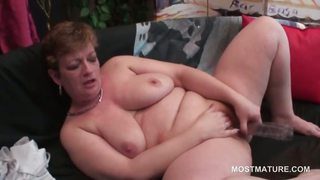 Amateur Chubby Masturbating Mature  Toy