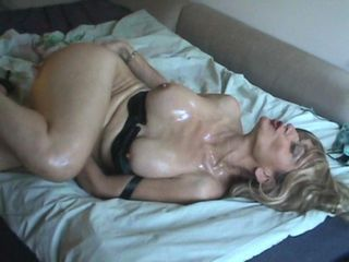 Masturbating  Oiled Solo