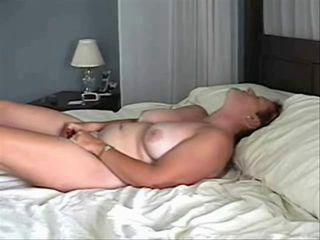 Amateur Homemade Masturbating Mature Mom
