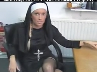 Krystal Niles Gives A Harsh Handjob British Euro Brit European Cumshots Swallow