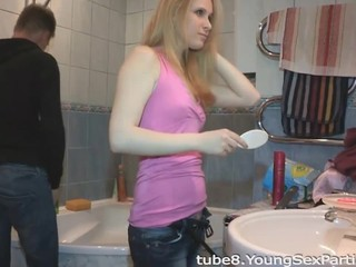 Amateur Bathroom Girlfriend Teen