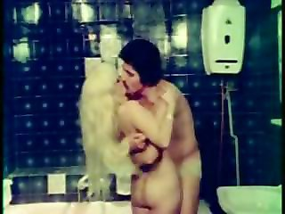 Ass Bathroom Blonde Kissing   Vintage