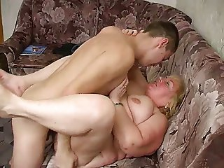 Russian mature thick Mom and her boy! Amateur!