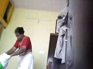 HiddenCam Indian Mom Voyeur