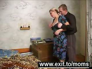 Amateur Chubby Homemade Mature Mom Old and Young