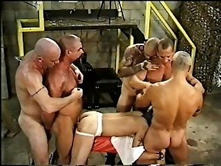 barebackin at the troff - Gay sex video -