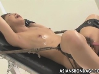 Chinese gal bond and fuckd by the bonking machine