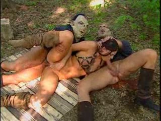 Outdoor threesome