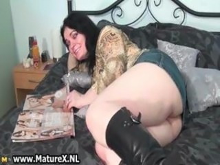 Horny mature housewife showing her big part2