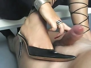 Dispirited heeljob handjob detach from wife sexy heels