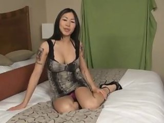 Asiatisk Babe Solo Tatovering