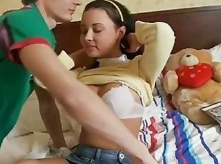Tight teen pussy gets stretched