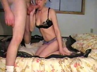skinny blone amateur fucking at home