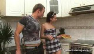 Teen cooking but her bf wants not far from fuck
