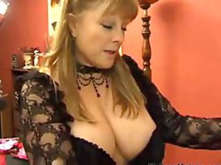 Big Tits Mature Mom Natural