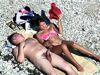 http%3A%2F%2Fxhamster.com%2Fmovies%2F2982400%2F1_couple_on_beach.html