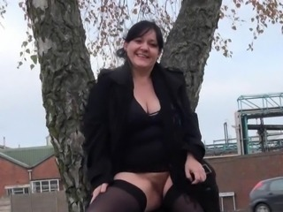 Fat Dilettante milfs public exhibitionism and alfresco chunky flashing of...