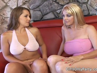 Two Gorgeous Babes Are Addicted To A Glass Dildo